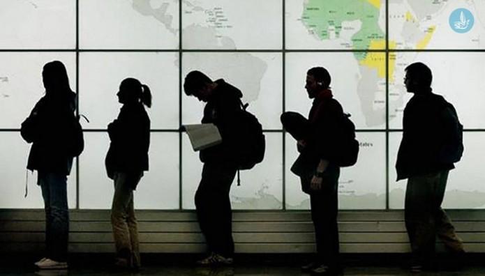Οικονομική ΑΙΜΟΡΡΑΓΙΑ από την μετανάστευση επιστημόνων: Το «brain drain» κοστίζει 1,5 δισ. ευρώ στα ταμεία!