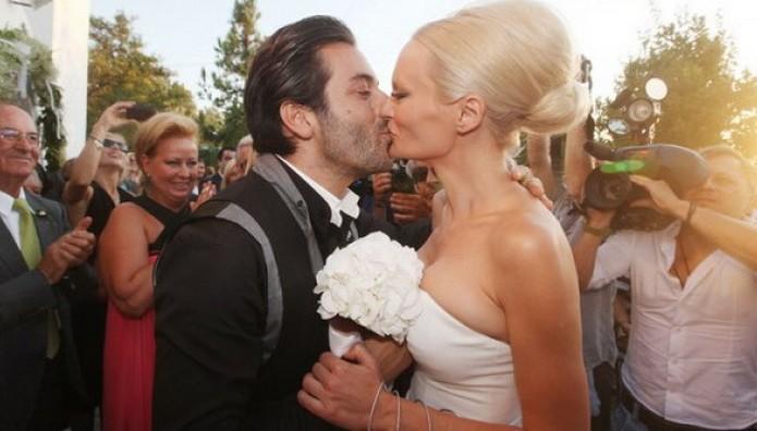 Μετά την επίθεση… το διαζύγιο! ΤΕΛΟΣ στο γάμο του Πάνου Καλλίτση και της Έλενας Χριστοπούλου