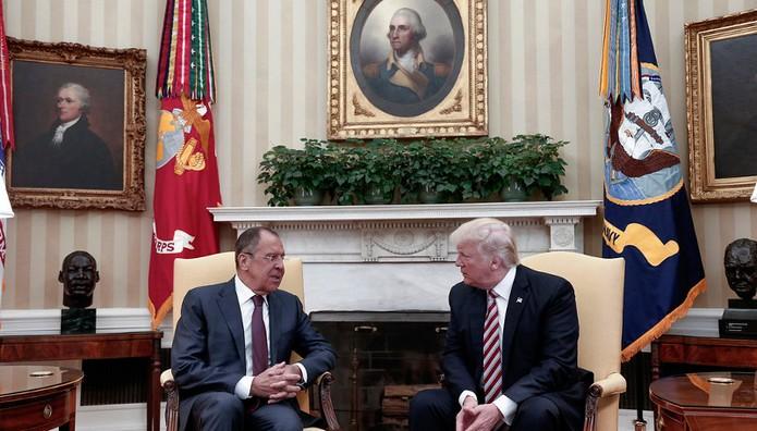 "Washington Post: ""Ώρα για πρόταση μομφής κατά του Τραμπ-"