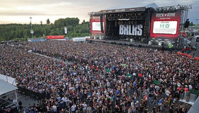 ΛΗΞΗ ΣΥΝΑΓΕΡΜΟΥ στην Γερμανία: Συλλήψεις μετά την εκκένωση συναυλιακού χώρου