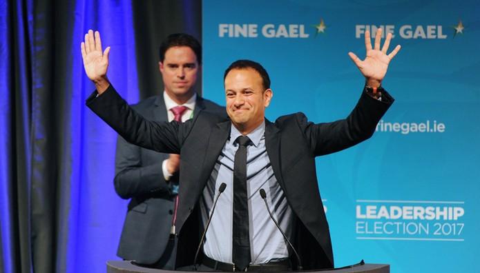 Λίο Βαράντκαρ: Ο νέος πρωθυπουργός της Ιρλανδίας είναι νεαρός, ομοφυλόφιλος και μιγάς