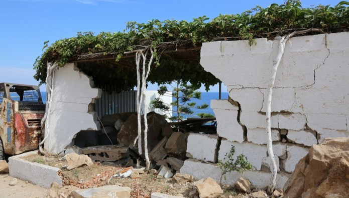 ΝΥΧΤΑ ΤΡΟΜΟΥ στη Λέσβο! ΙΣΟΠΕΔΩΘΗΚΕ το χωριό Βρίσα-Το εγκατέλειψαν οι κάτοικοι! Συνεχείς οι μετασεισμοί