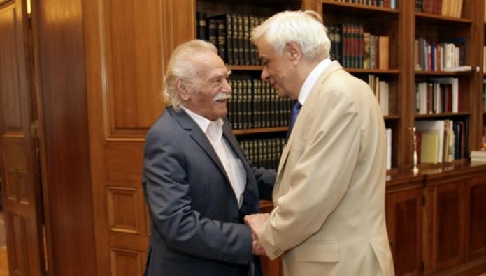 Παυλόπουλος σε Γλέζο: «Για πολλοστή φορά έδειξες πώς φέρονται οι γνήσιοι εκφραστές της Εθνικής Αντίστασης»