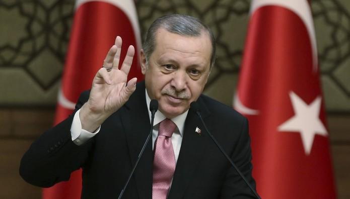 Ερντογάν: «Γκρεμίστε ό,τι χαλάει την εικόνα του Βοσπόρου»