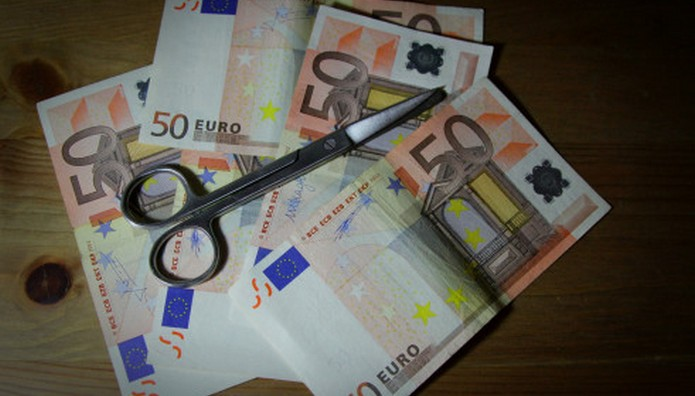Μόνον στην Ελλάδα: Η φοροαπαλλαγή που γλίτωσε από τα δόντια... των δανειστών