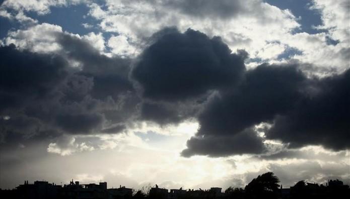 Συννεφιά και 30αρια σήμερα σε όλη τη χώρα