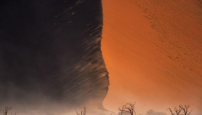 Ανεμοθύελλα στην έρημο της Ναμίμπια