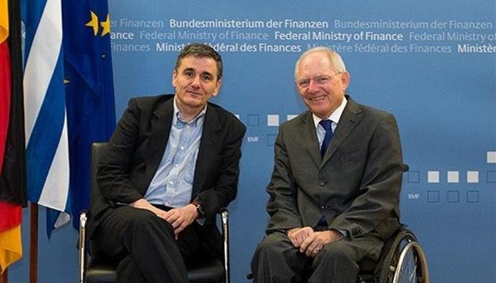 Ολόκληρη η συνέντευξη Τσακαλώτου στην Handelsblatt:  Να στείλουν μήνυμα στις αγορές ΔΝΤ-Σόιμπλε