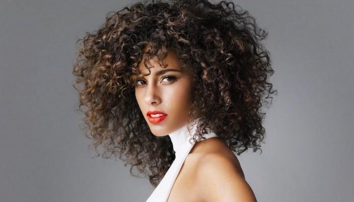 Αγνώριστη η  Alicia Keys! Δείτε την χωρίς ίχνος μακιγιάζ
