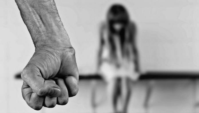 Ανησυχητικά τα στοιχεία για την ενδοοικογενειακή βία
