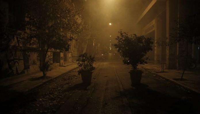 Εξάρχεια: Επεισόδια και μολότοφ το βράδυ του Σαββάτου