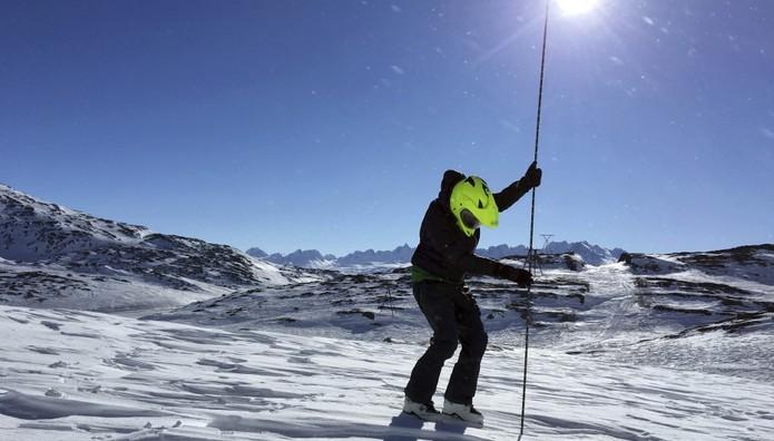 Ελβετία: Σκιέρ τραυματίστηκαν από χιονοστιβάδα