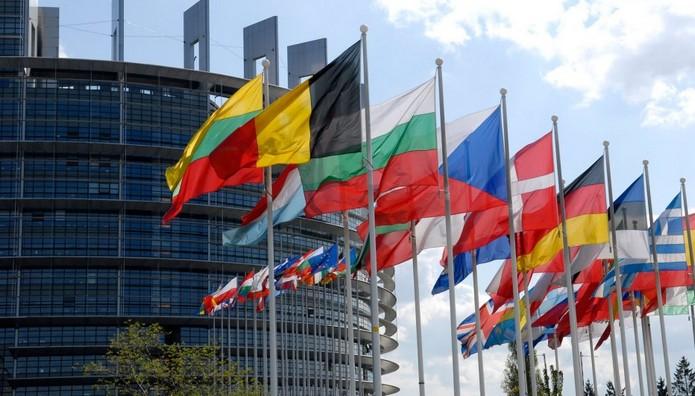 ΕΕ: Ορόσημο το 2025 για την ένταξη Μαυροβουνίου-Σερβίας