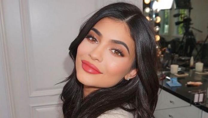 H Kylie Jenner «ισοπέδωσε» το Snapchat με ένα της tweet τ
