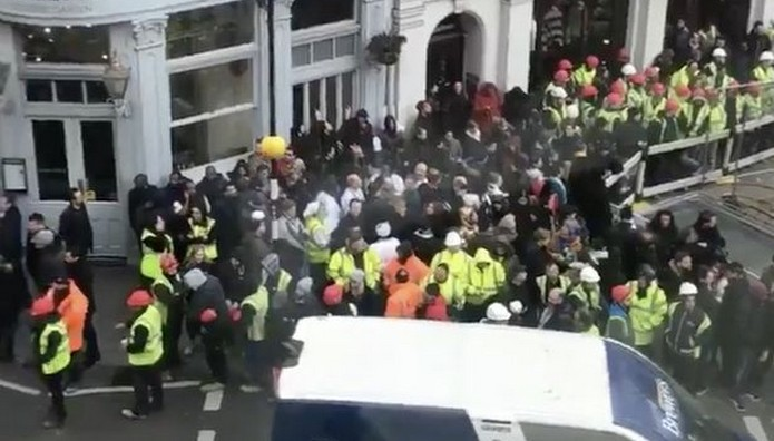 Απειλή για βόμβα στην Όπερα του Λονδίνου