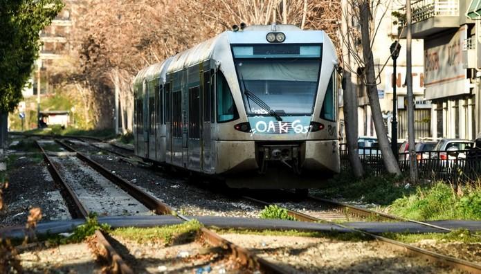 Στάσεις εργασίας σε τρένα και Προαστιακό