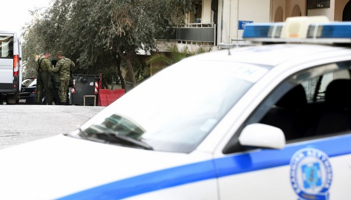 Μαχαίρωσαν 17χρονο μέσα στο σπίτι του στη Νίκαια