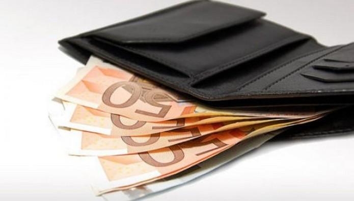 Οδηγός του ΚΤΕΛ βρήκε και παρέδωσε τσαντάκι με χρήματα