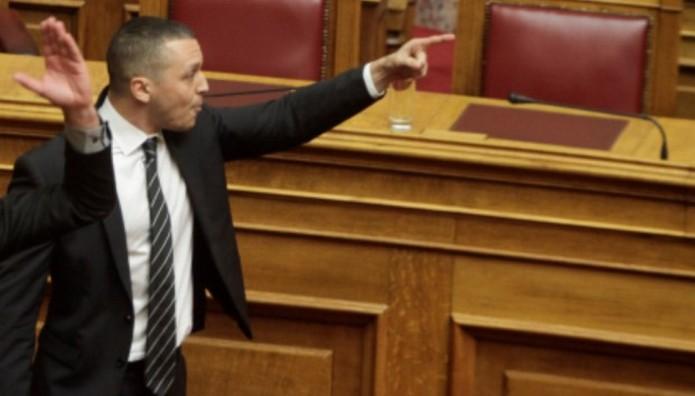 «Χαμός» πάλι με τον Κασιδιάρη στη Βουλή
