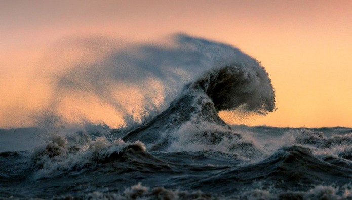 Η ταραγμένη θάλασσα στο Lake Erie