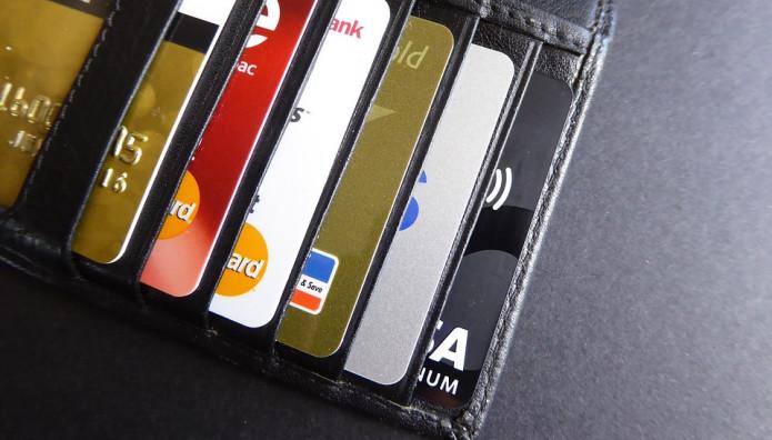 Πιστωτικές κάρτες σε πορτοφόλι