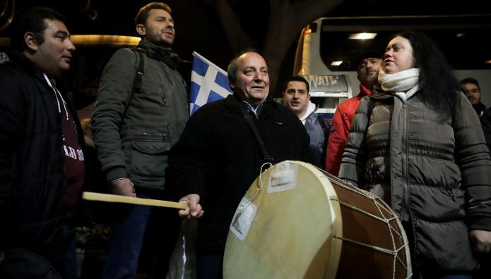 Συλλαλητήριο Μακεδονία  Με Νταούλια Και Ζουρνάδες Οι Διαδηλωτές ... deae57bc52a