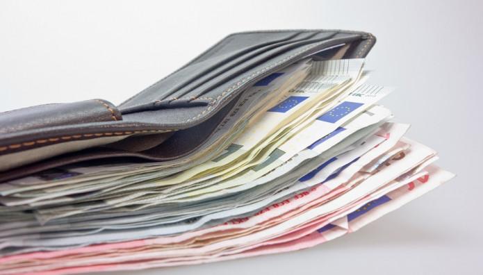 Γεμάτο πορτοφόλι με χρήματα