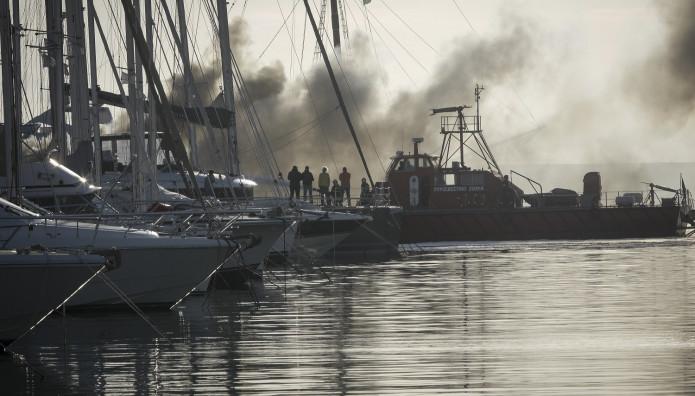 Φωτιά σε σκάφος