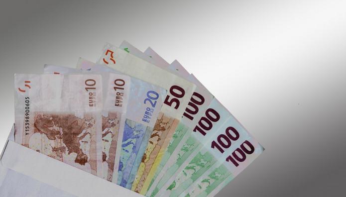 Χρήματα σε φάκελο