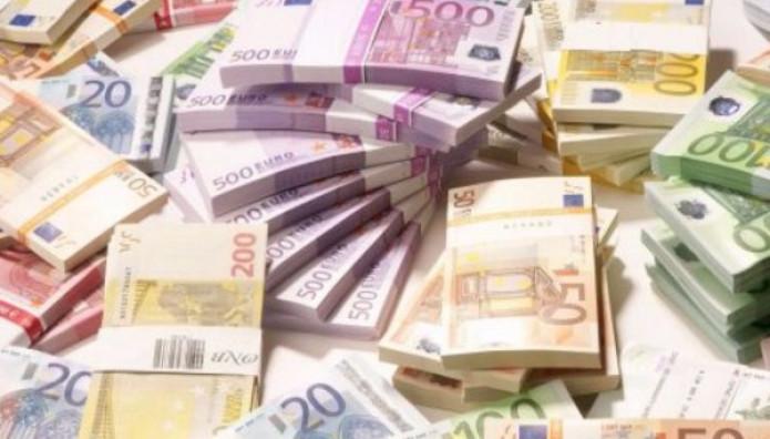 δεσμίδες ευρώ χρήματα