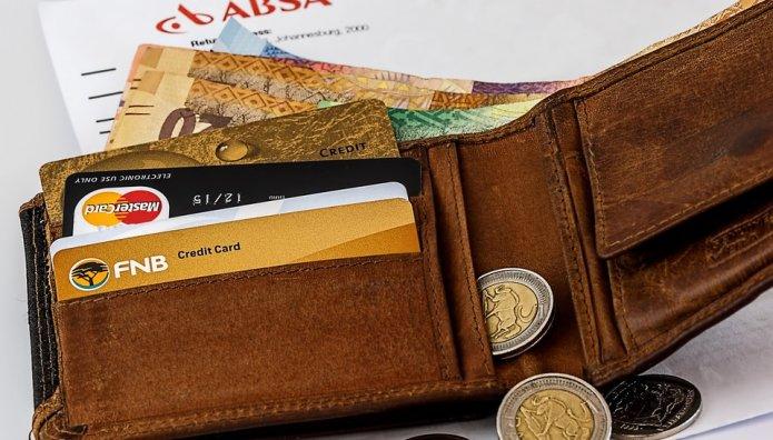 Πορτοφόλι με κάρτες