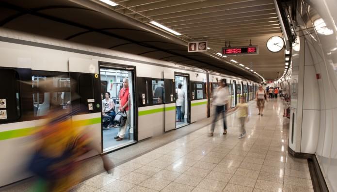 Συρμός Μετρό εν κινήσει