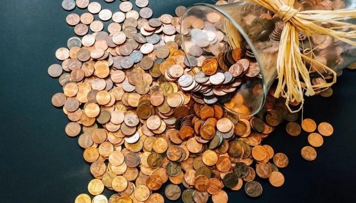 Κέρματα στο τραπέζι
