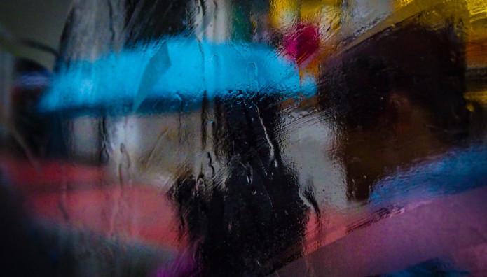 βροχή και ομπρέλες