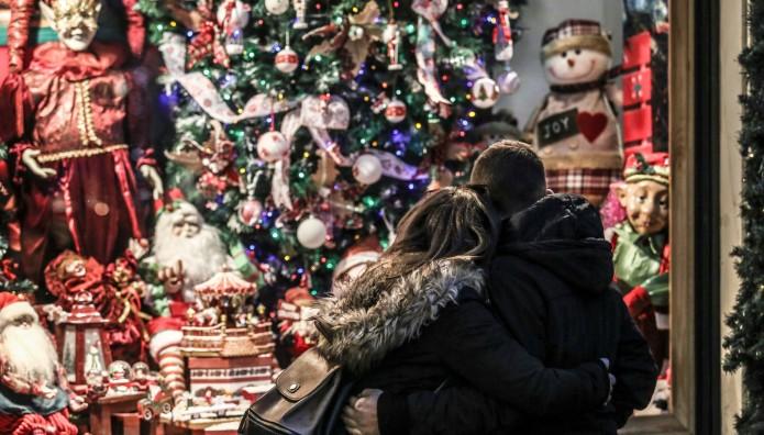 χριστουγεννιάτικες βιτρίνες