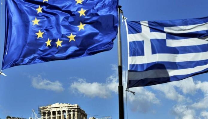 Ελληνική και ευρωπαϊκή σημαία