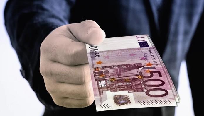 δωροδοκία λεφτά