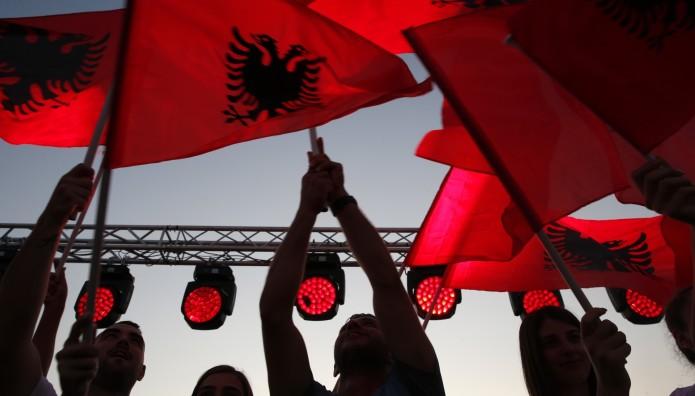 αλβανική σημαία