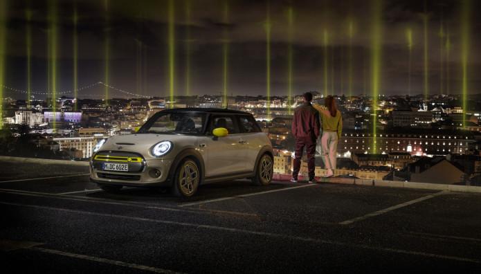 MINI Cooper SE σόου Λισαβόνα αυτονομία