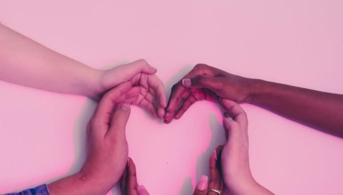 Χέρια - Καρδιά